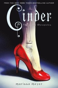 Cinder: Book One of the Lunar Chronicles (inbunden)