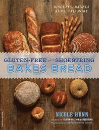 Gluten-Free on a Shoestring Bakes Bread (h�ftad)