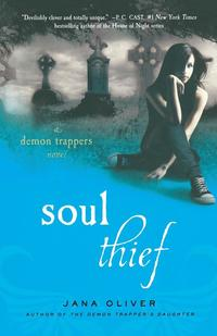 Soul Thief: A Demon Trappers Novel (h�ftad)