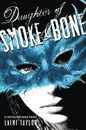 Daughter of Smoke & Bone (inbunden)