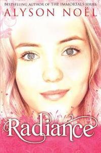 A Riley Bloom Novel: Radiance (h�ftad)