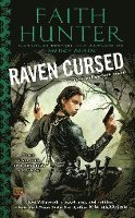 Raven Cursed: A Jane Yellowrock Novel (pocket)