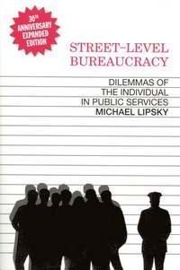 Street Level Bureaucracy (h�ftad)