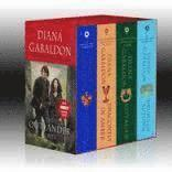 Outlander Boxed Set: Outlander, Dragonfly in Amber, Voyager, Drums of Autumn (h�ftad)