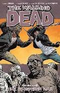 The Walking Dead: Volume 27 The Whisperer War