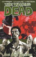 The Walking Dead Volume 5: Best Defense (inbunden)