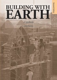 Building with Earth (h�ftad)