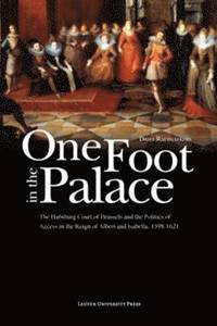 One Foot in the Palace (inbunden)