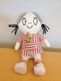 Lilla Anna-docka (inbunden)