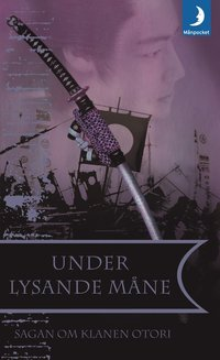 Under lysande m�ne (pocket)