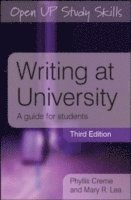 Writing at University: A Guide for Students (häftad)