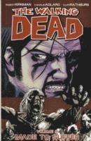 The Walking Dead Volume 8: Made to Suffer (häftad)