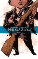 The Umbrella Academy Volume 2 Dallas / story, Gerard Way ; art, Gabriel Bá ; colors, Dave Stewart ; letters, Nate Piekos.